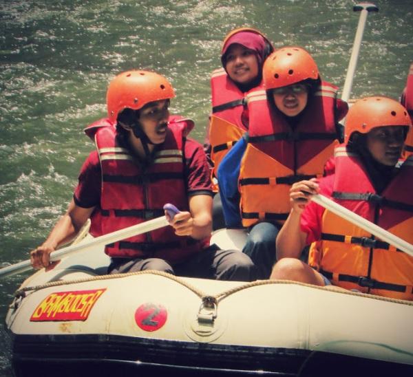 Rafting, sungai palayangan, pangalengan, situ cileunca, liburan di bandung, wisata alam pangalengan, wisata alam di bandung, curug ceret, curug sentral