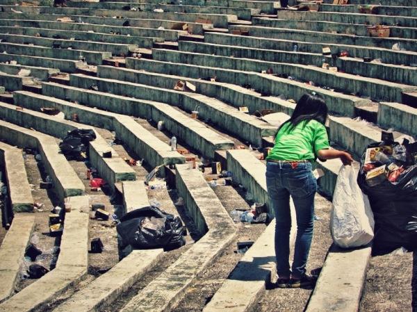 relawan, relawan kaa, kaa, konferensi asia afrika, sampah, angklung for the world, stadion siliwangi, rekor bermain angklung, relawan kebersihan, pakistan, relawan pakistan, masalah kebersihan, sampah, pemberlakuan denda bagi pembuang sampah sembarangan